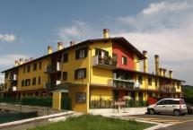 Vendita Appartamento piano primo con balcone e portico a Gorlago